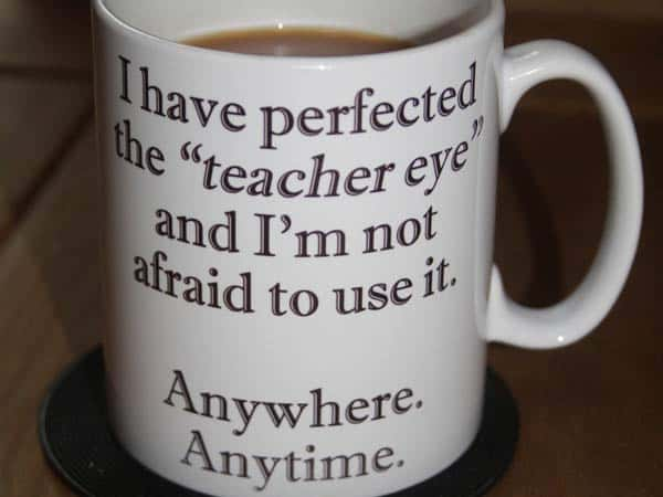 Stay away from the mugs! Use these ideas for gifts that teachers will actually appreciate and use. End of the Year Teacher Gifts do's and don'ts #mindoverlatte #teachers #education #gifts #teachergifts #endoftheyeargifts