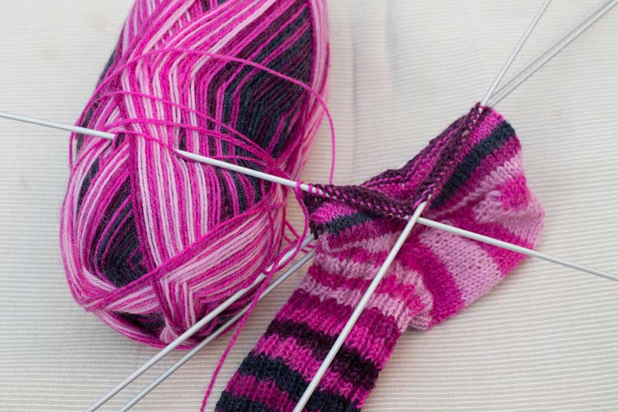relaxing crafts to enjoy during winter evenings