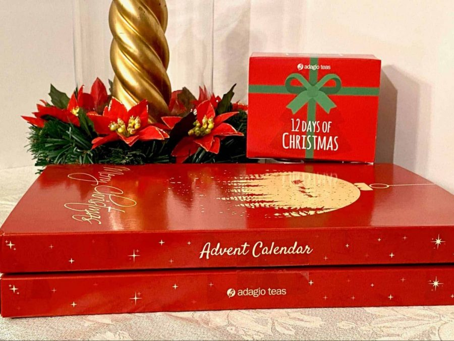 Count down to Christmas with Adagio Teas Advent Calendar or their wonderful '12 Days of Christmas' Tea Set. #mindoverlatte #tea #adagiotea